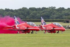 Royal Air Force RAF British Aerospace Hawk T 1 XX242 des Royal Air Force-Flugschauteams die roten Pfeile Lizenzfreies Stockbild