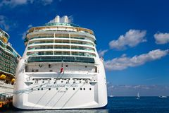 Royal Caribbean em Cozumel foto de stock royalty free