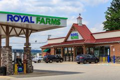 Royal Farms Convenience Store and Pumps. Wrightsville, PA, USA - June 7, 2018: Royal Farms is an American convenience store chain with over 180 locations in the Stock Photos