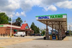 Royal Farms Convenience Store. Wrightsville, PA, USA - June 7, 2018: The fuel pumps at a Royal Farms, an American chain of convenience stores with over 180 Stock Images