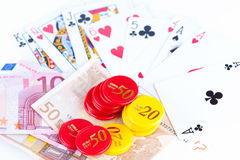 Royal Flush, Geld und spielende Chips Stockfotos