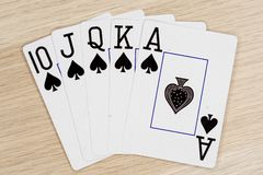 Royal Flush-Spaten - Kasino, das Schürhakenkarten spielt stockbild