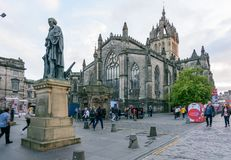Royal Mile in the Old City of Edinburgh, Scotland Stock Photography