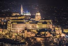 Royal Palace alla notte a Budapest, Ungheria Fotografia Stock