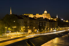Royal Palace, Budapest na noite Imagem de Stock