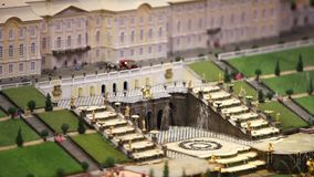 Royal Palace con una fontana stock footage