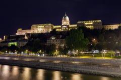 Royal Palace de Buda, Budapest a illuminé, vue de nuit, Budapes image stock