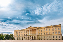 Royal Palace die Oslo, Noorwegen inbouwen Royalty-vrije Stock Foto