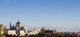 Royal Palace e Almudena Cathedral Fotografie Stock Libere da Diritti