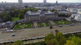 Royal Palace-Kavallerie auf Parade marschierender Brüssel-Stadtantenne stock footage