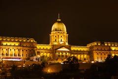 Royal Palace oder Buda Castle nachts Stockfoto