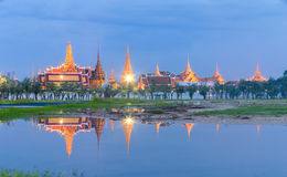 Royal palace reflect on water at dust. Stock Photography