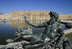 Royal palace and statues of divine Royalty Free Stock Photography