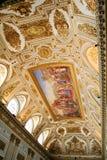 Royal Palace telha a decoração fotografia de stock