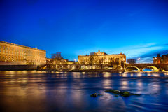 Royal Palace y casa del parlamento en Estocolmo Foto de archivo libre de regalías