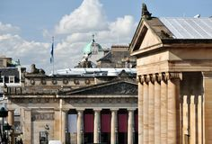 Royal Scottish Academy, Scottish National Gallery. Roofs and neoclassical pillars of the Royal Scottish Academy Building, and of the National Gallery of Scotland stock photo