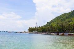 Royalty hoog - beeld van de kwaliteits het vrije voorraad van boten bij Nha-strand op Zoonseiland, Kien Giang, Vietnam Dichtbij h royalty-vrije stock afbeelding