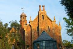 Royaume de magie de manoir hanté par monde de Disney Images stock