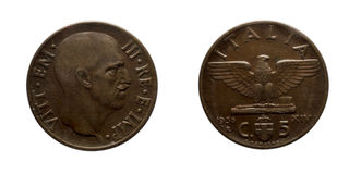 Royaume 1936 de Vittorio Emanuele III d'empire de pièce de monnaie en cuivre de cinq 5 Lires de cents de l'Italie Photographie stock