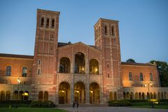 Royce Hall en la Universidad de California, campus de Los Ángeles Fotografía de archivo