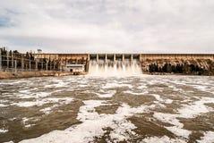 Rozładowanie woda w bagnie Orellana Hiszpania fotografia royalty free