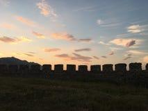 Rozafa slottmurar med tinnar, Albanien arkivbilder