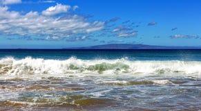 Rozbijać kipiel na Maui wzdłuż cukier plaży fotografia stock