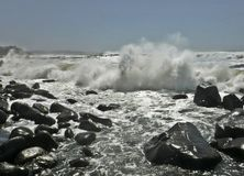Rozbijać shorewards Obrazy Stock