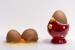 Rozbijający jajko Zdjęcie Royalty Free