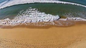 rozbije się fala plażowych zbiory
