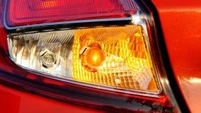 Rozblaskowy samochodowy zwrota sygnał wskazuje lewego kierunek zdjęcie wideo