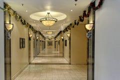 Rozbrzmiewający korytarz w hotelu Zdjęcia Stock