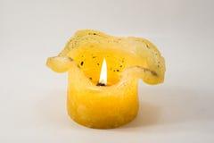 Rozciekły wosk świeczki palenie. Zdjęcia Stock