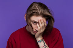 Rozczarowanie w ty Młoda męska przeciwność Zdjęcie Stock