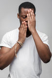 Rozczarowany afroamerican młody faceta czuć smutny Zdjęcia Stock