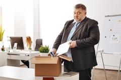 Rozczarowany ambitny pracownik opuszcza jego miejsce pracy Zdjęcia Stock
