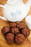 rozdaje muffins Obrazy Royalty Free