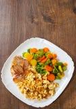 Rozdrapani jajka z bekonu i warzyw mieszanką Fotografia Stock