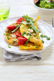 Rozdrapani jajka z serem i warzywami Obraz Royalty Free