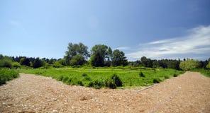 Rozdroże przy psim smycza terenem w Marymoor parku zdjęcia royalty free