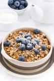 Rozdrobni z oatmeal na stole, zbliżenie Fotografia Royalty Free