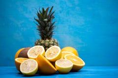 Rozdzierać soczyste wyśmienicie owoc zdjęcia royalty free
