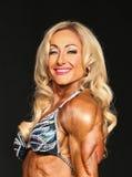 Rozdzierający blondynki Bodybuilder Zdjęcie Royalty Free