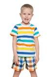 Roześmiana mała blond chłopiec zdjęcie stock