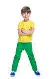 Roześmiani chłopiec stojaki obraz royalty free
