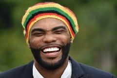 Roześmiany Dorosły Czarny Jamajski mężczyzna obraz royalty free