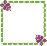 Roze bloemen, groene bladeren en bessen Royalty-vrije Stock Foto