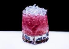 Roze cocktail met ijs Royalty-vrije Stock Afbeelding