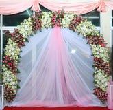 Roze en witte achtergrondbloemen Royalty-vrije Stock Fotografie