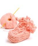 Roze gehaakte babby sokjes Stock Foto